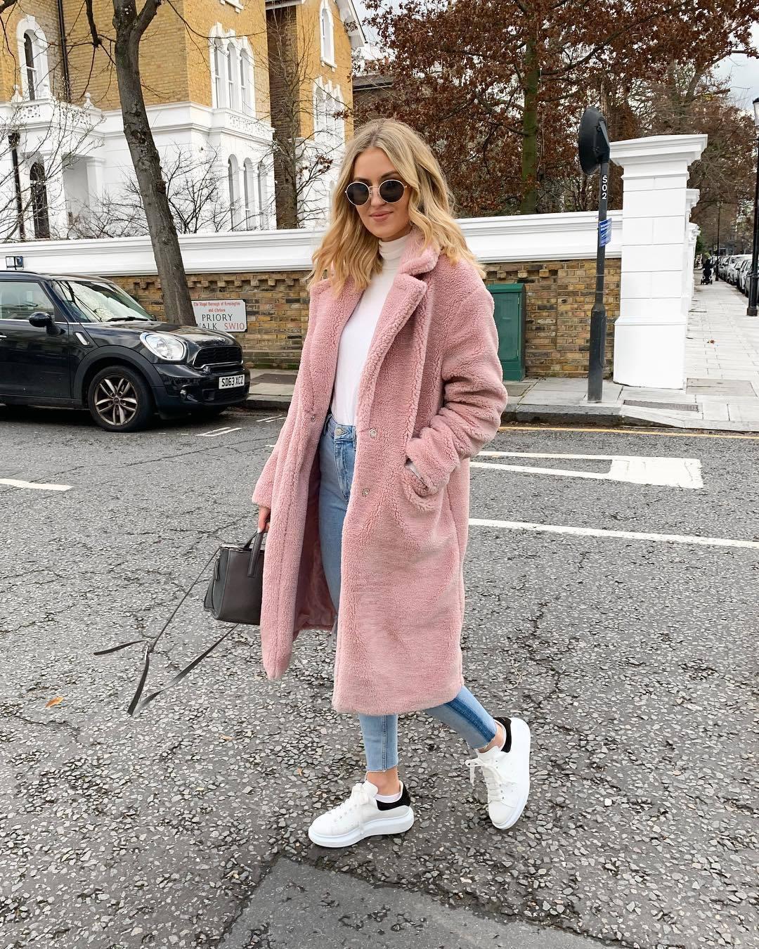 coat long coat blush faux fur white sneakers skinny jeans bag turtleneck sunglasses casual streetstyle