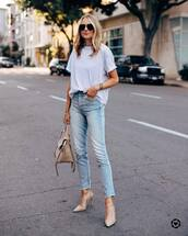 jeans,high waisted jeans,pumps,white t-shirt,oversized t-shirt,bag,casual