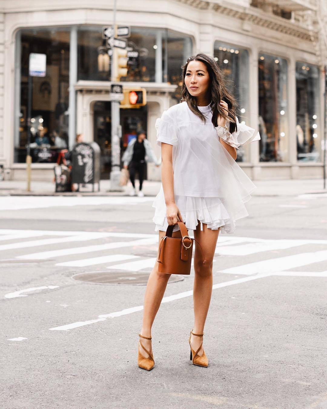 top white t-shirt pumps white skirt mini skirt brown bag bucket bag