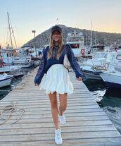 skirt,white skirt,mini skirt,white sneakers,sweatshirt,bag,cap