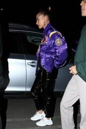 jacket,hailey baldwin,model off-duty,pants,streetstyle,casual,bomber jacket