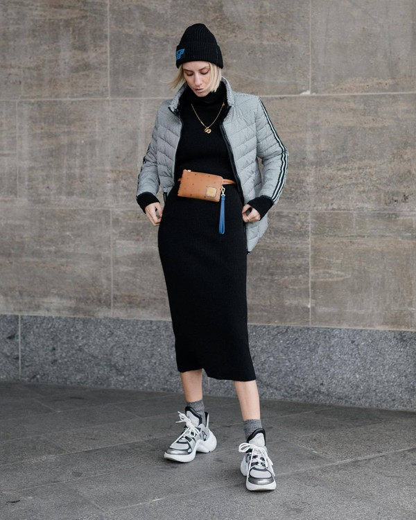 dress turtleneck dress knitted dress black dress midi dress sneakers socks grey jacket puffer jacket belt bag black beanie