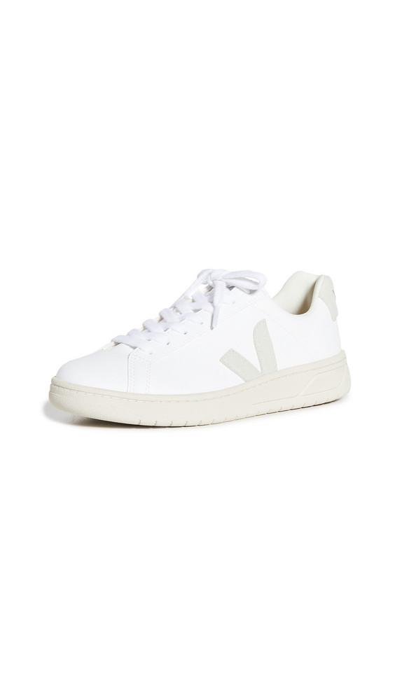Veja Urca Sneakers in natural / white