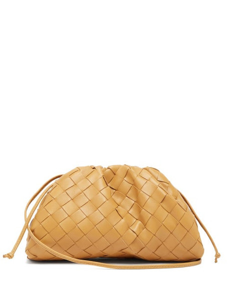 Bottega Veneta - The Pouch Intrecciato Small Leather Clutch - Womens - Camel