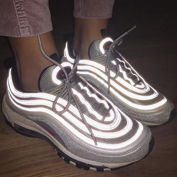 shoes, nike, nike sneakers, glow in the