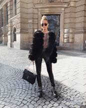 coat,black faux fur coat