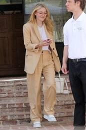 jacket,suit,pants,celebrity,dakota fanning,top,neutral
