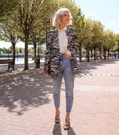 jacket,black blazer,zebra,high waisted jeans,black sandals,white shirt,black bag