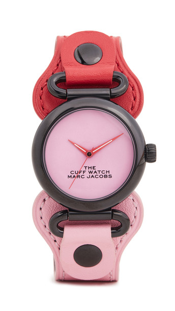 The Marc Jacobs The Cuff Watch 32mm in black / pink