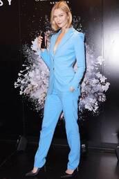 pants,suit,blazer,karlie kloss,celebrity,model off-duty