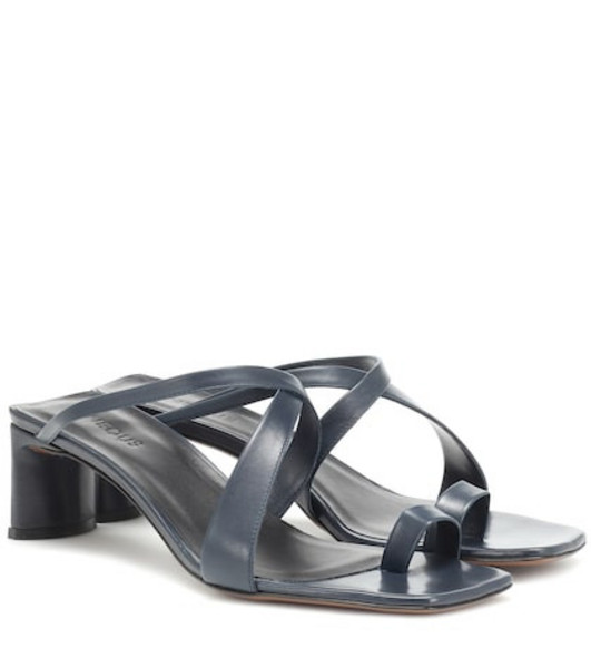 Neous Exclusive to Mytheresa – Nitis leather sandals in grey