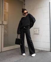 jeans,wide leg jeans,black jeans,black bag,white sneakers,sweatshirt,oversized,white turtleneck top