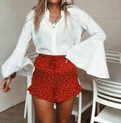 shorts,red shorts