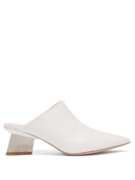 Nicholas Kirkwood - Veronika Point Toe Leather Mules - Womens - White