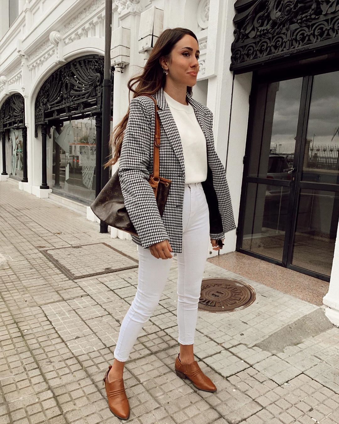 jacket blazer houndstooth white jeans shoes white t-shirt bag