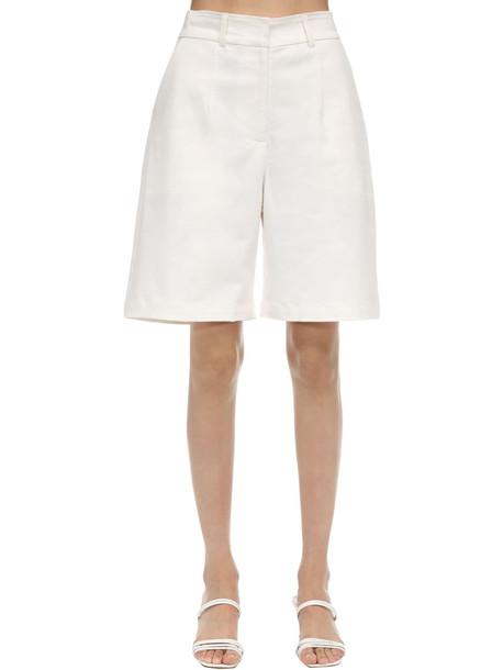 AYA MUSE Poplin Bermuda Shorts in white