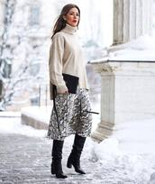 skirt,midi skirt,h&m,black boots,knee high boots,heel boots,black bag,crossbody bag,turtleneck sweater,oversized turtleneck sweater