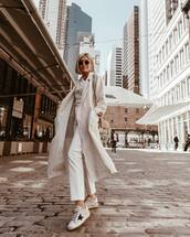 coat,long coat,white jeans,cropped jeans,straight jeans,white sneakers,white top,crossbody bag