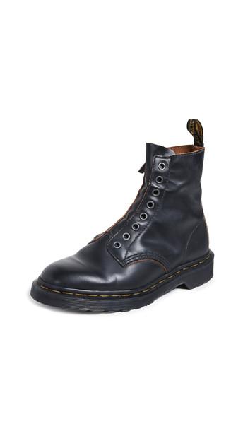 Dr. Martens 1460 LL 8 Eye Boots in black