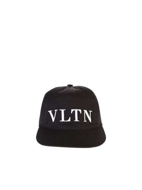 Valentino Garavani Embroidered Baseball Hat in black