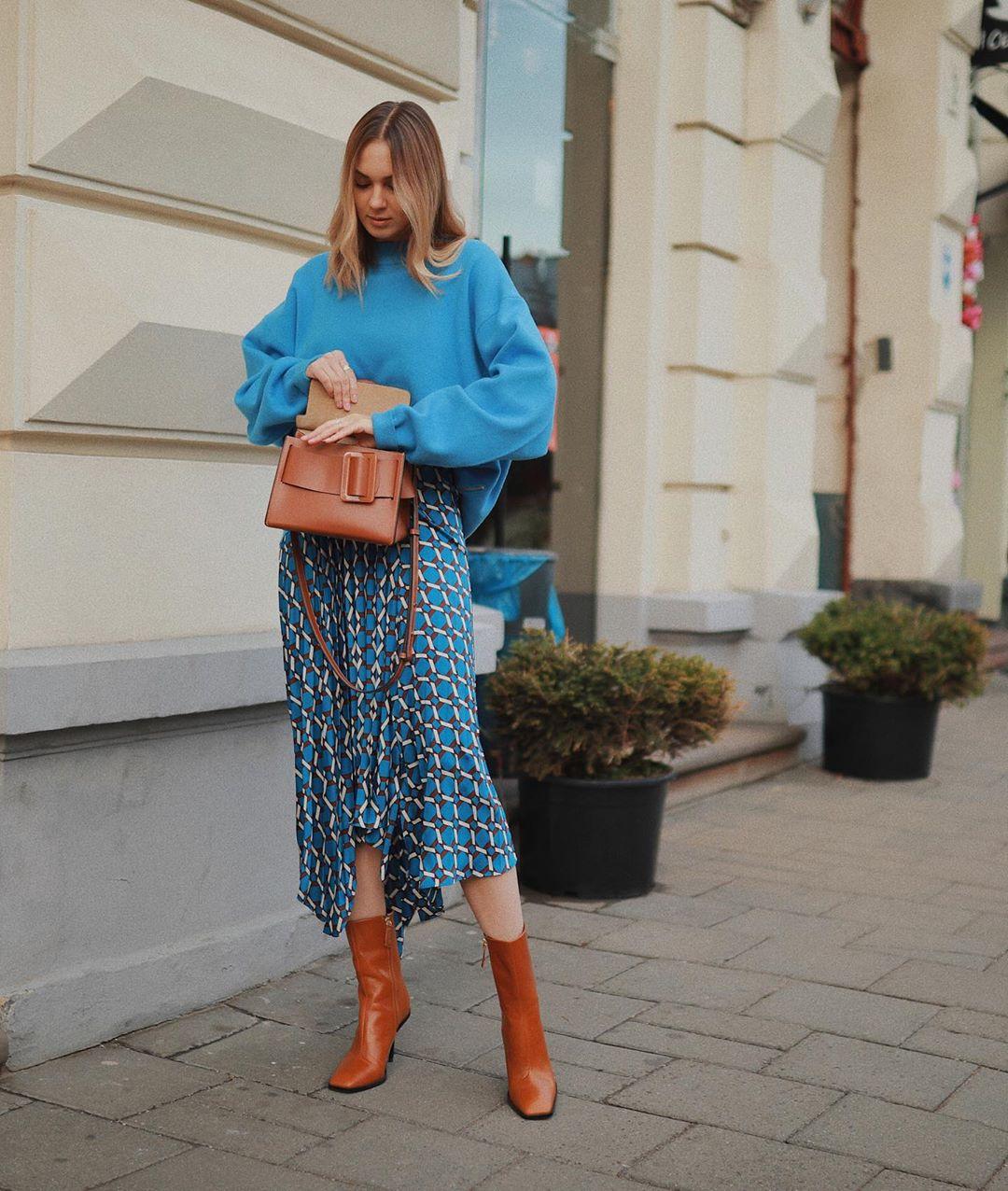 skirt asymmetrical skirt blue skirt ankle boots brown bag oversized sweater
