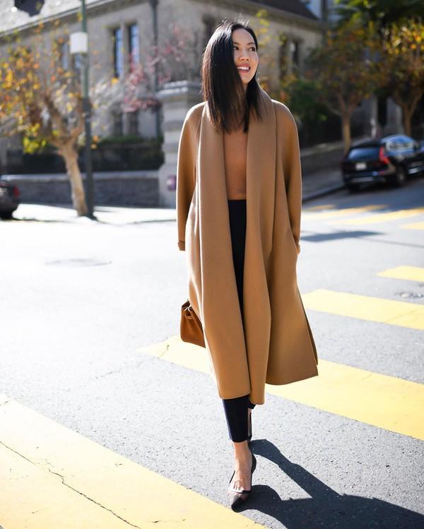 coat beige coat long coat pumps black bag sweater bag
