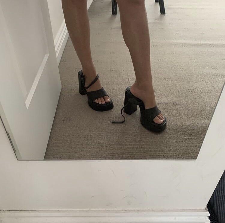 shoes black heels 90s style platform shoes black straps platform shoes platform sandals sandals cute fashion black shoes y2k