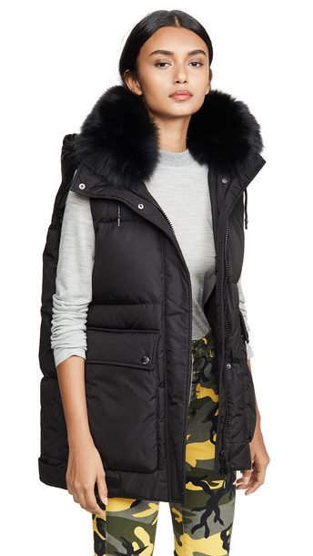 Army By Yves Salomon Fox Trim Vest in noir