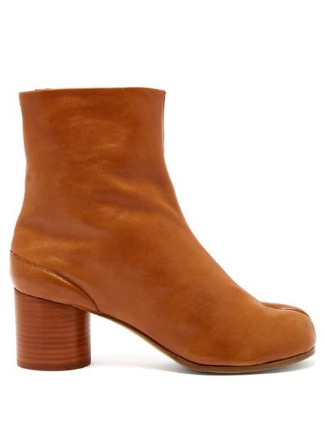 Maison Margiela - Tabi Split Toe Leather Ankle Boots - Womens - Tan
