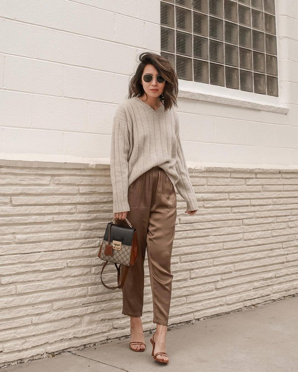 pants high waisted pants sandals crossbody bag v neck knitted sweater