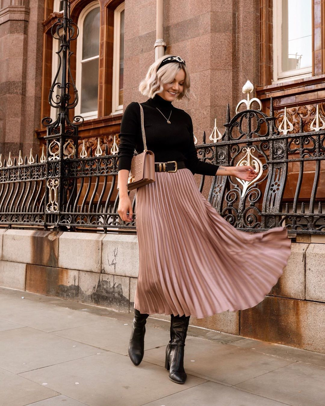 skirt pleated skirt midi skirt knee high boots black boots black turtleneck top bag