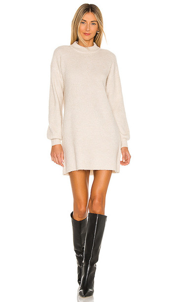 cupcakes and cashmere Twain Dress in Beige in white