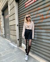 shorts,black shorts,tights,sneakers,sweater,white bag