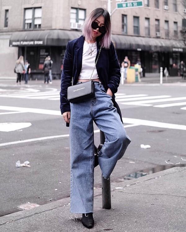 jeans wide-leg pants cropped jeans high waisted jeans black boots blazer velvet white top crop tops black bag