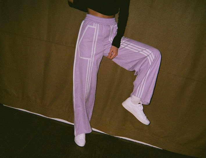 pants lilac tracksuit sweatpants kendall jenner kardashians model off-duty wide-leg pants instagram