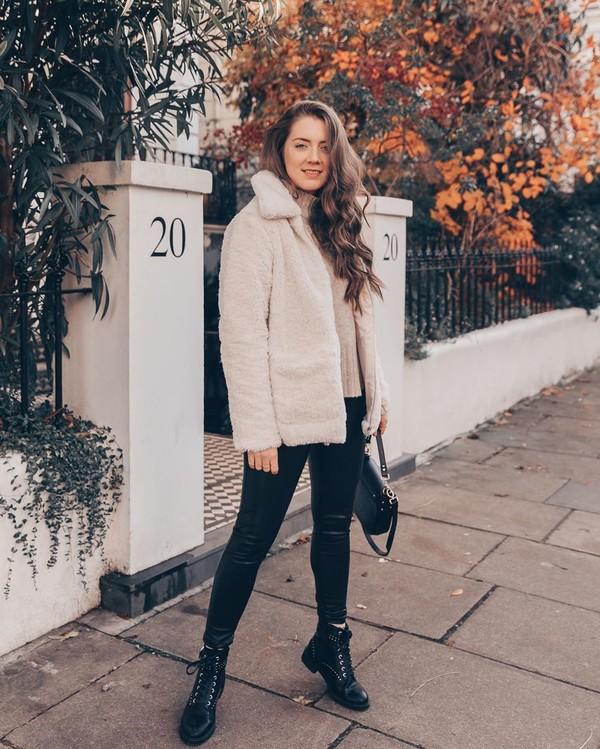 jacket faux fur coat ankle boots black leggings turtleneck sweater black bag