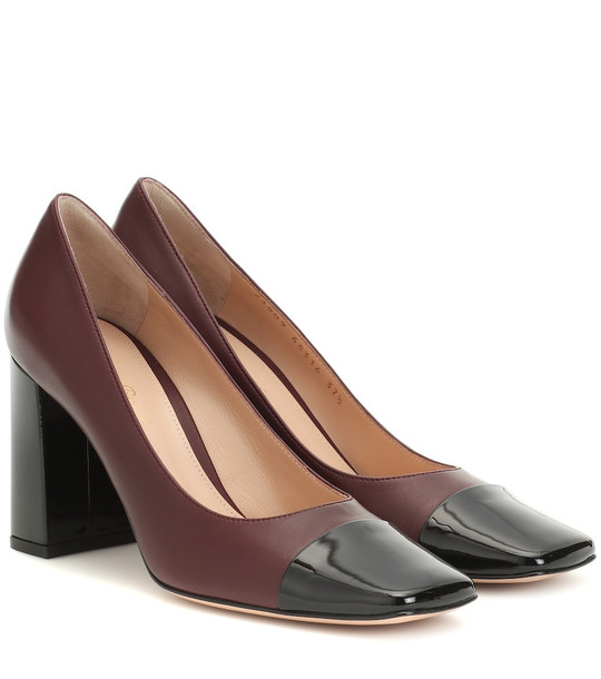 Gianvito Rossi Leather pumps in brown