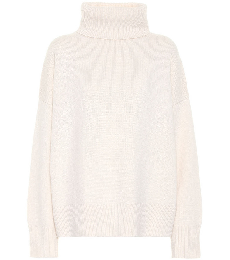 Co Wool and cashmere turtleneck sweater in white