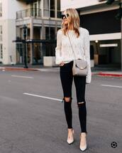 sweater,white sweater,knitted sweater,pumps,black skinny jeans,black ripped jeans,crossbody bag