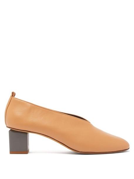 Gray Matters - Mildred Block Heel Leather Mules - Womens - Tan
