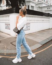jeans,straight hair,straight jeans,sneakers,white shirt,crossbody bag