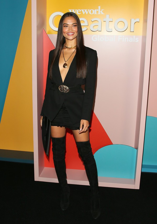 jacket shanina shaik model blazer black all black everything celebrity boots