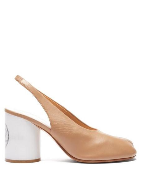 Maison Margiela - Tabi Slit Toe Holographic Heel Slingback Pumps - Womens - Beige