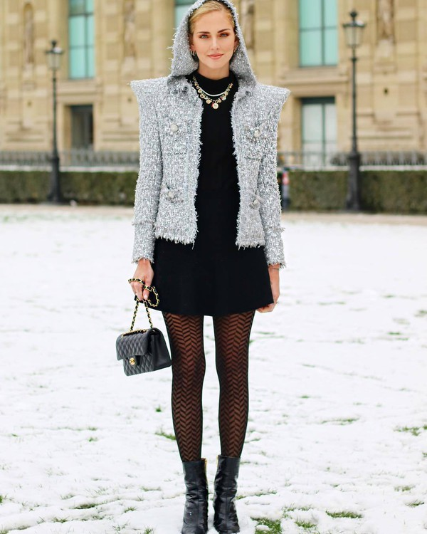 bag chanel bag black bag tights calzedonia black boots black skirt black shirt grey jacket