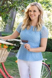 top,light blue,reese witherspoon,spring outfits,celebrity