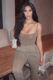 top,nude,neutral,kim kardashian,kardashians,bodysuit,sweatpants,celebrity,instagram