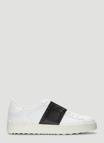 Valentino Rockstud Untitled Sneakers in White size EU - 37