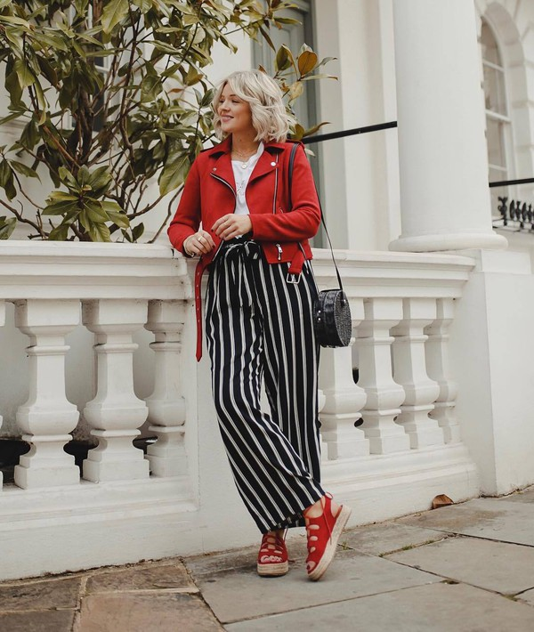 pants striped pants wide-leg pants high waisted pants black and white platform sandals red jacket biker jacket black bag white t-shirt