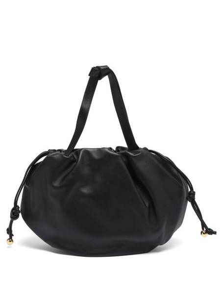 Bottega Veneta - The Pouch Medium Drawstring Leather Shoulder Bag - Womens - Black