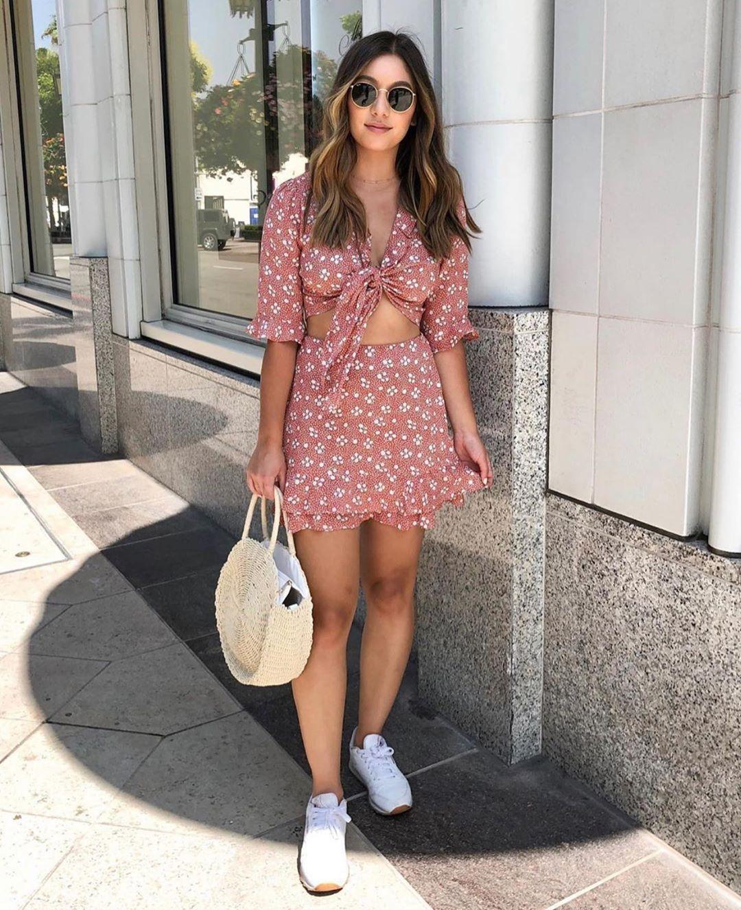 dress mini dress floral dress short sleeve dress white sneakers white bag